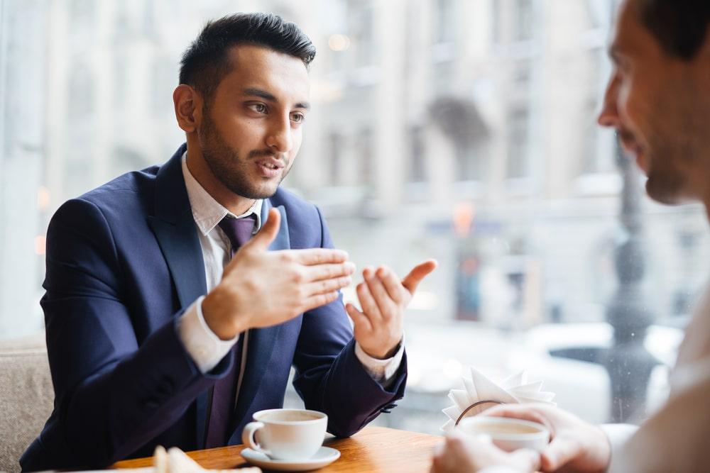 La thérapie de modification de l'accent est bénéfique dans un cadre professionnel