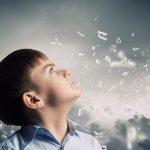 Un enfant avec une dyspraxie verbale